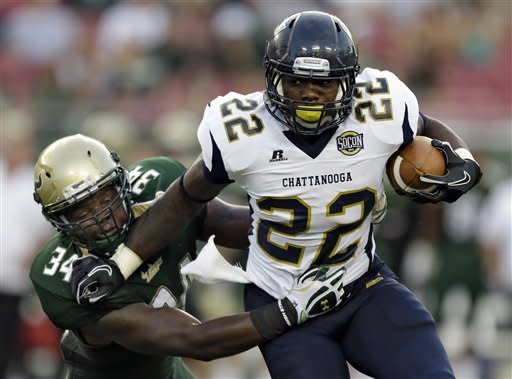 Daniels paces USF's 34-13 rout of Chattanooga