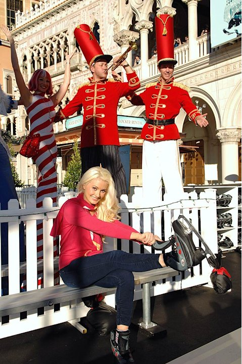 Holly Madison Winter In Venice