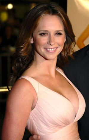Jennifer Love Hewitt's 'The Client List' Rubbing Women the Wrong Way