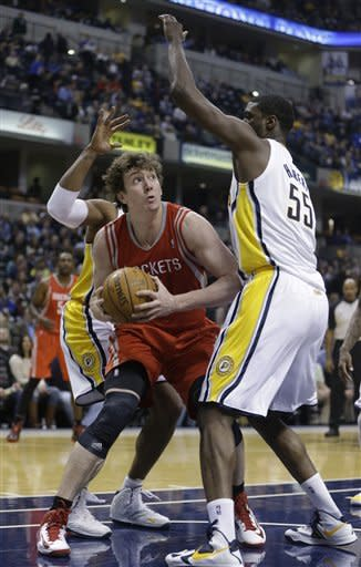 George leads Pacers past Rockets 105-95