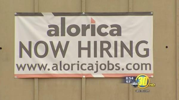 Hundreds turn out for Valley call center job fair