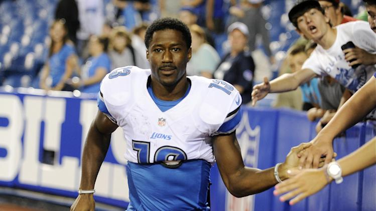 Lions WR Nate Burleson breaks arm in 1-car crash