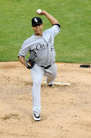 Lewis gets 1st win in 2 years, Texas 6-3 over WSox