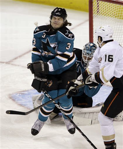 Ducks dent Sharks playoff hopes with 5-3 win