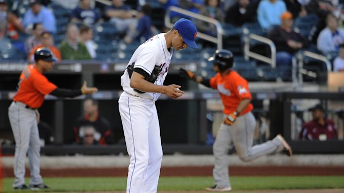 Dice-K gets 1st win, Mets top Marlins for DH split