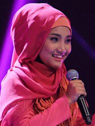 [Video] Bawakan Lagu Alicia Keys, Fatin Shidqia Nge-Rap!