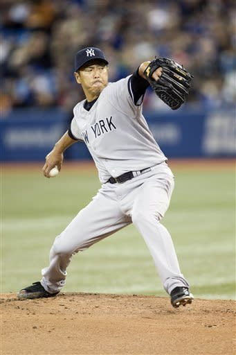 Loup's throwing error helps Yankees beat Blue Jays