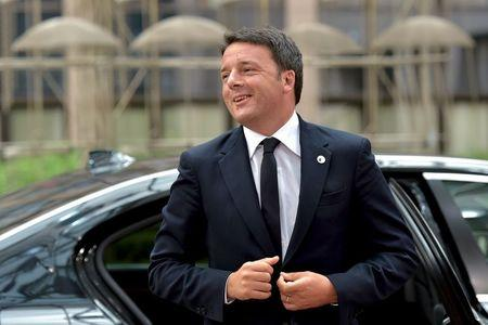 Italy's Prime Minister Renzi arrives at a euro zone EU leaders emergency summit in Brussels
