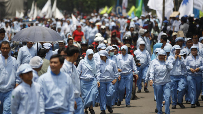 Indonesian laborers go on nationwide pay strike
