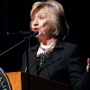 Clinton Again Blasts Putin After Hitler Remark