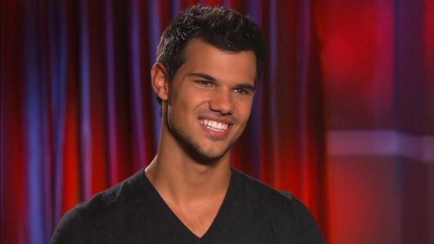Taylor Lautner chats with Access' Shaun Robinson at the 'Breaking Dawn - Part 2' junket on November 1, 2012  -- Access Hollywood