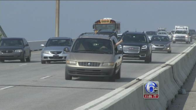 Southbound lanes of I-495 bridge in Wilmington reopens