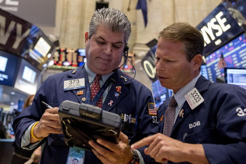 Stocks slammed; Fed rate hike in limbo?; Hedge funds pounded
