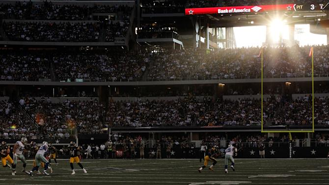 Pittsburgh Steelers v Dallas Cowboys