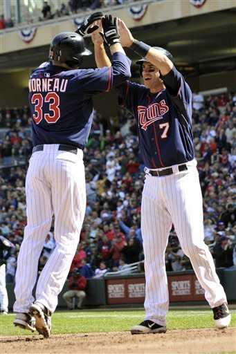 Twins power their way back to beat Angels 10-9