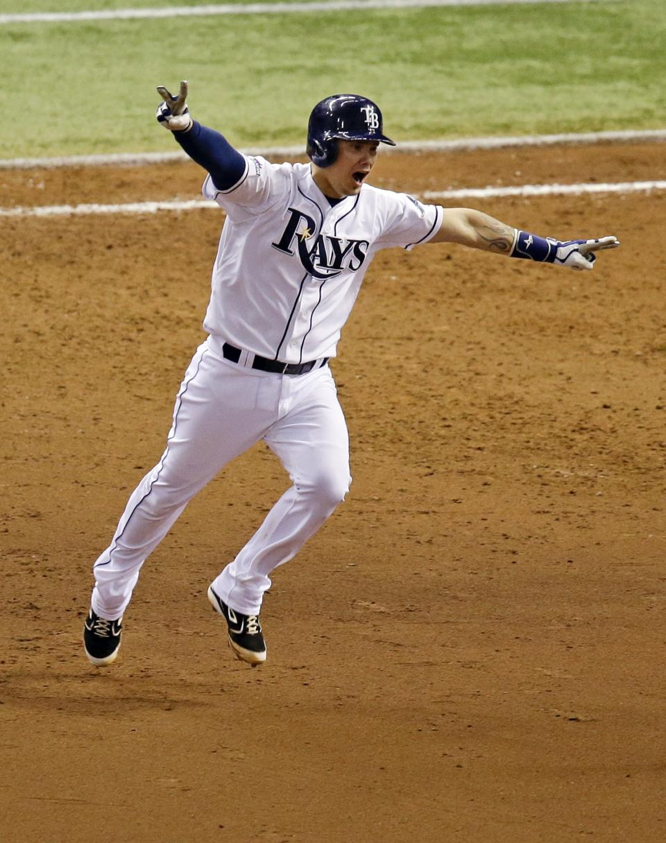 Longoria's HR helps Rays stave off elimination