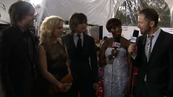 2011 Red Carpet Interview (American Music Awards)
