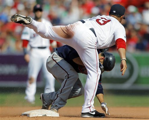 Gonzalez, Morales carry Red Sox past Twins, 6-4