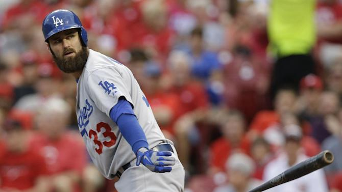 Van Slyke's 2 HRs lead Dodgers over Reds 6-2