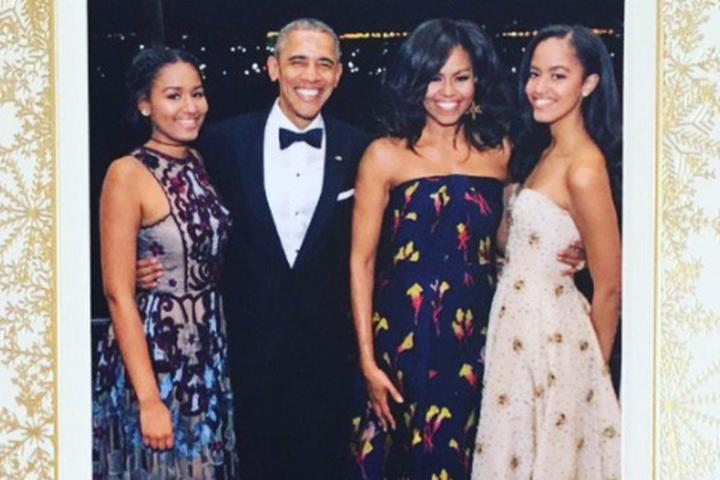 The Obamas sent out their final White House Christmas card and Twitter is in love