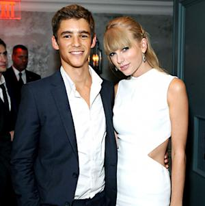 Taylor Swift, Actor Brenton Thwaites Have Flirty Chat in Toronto