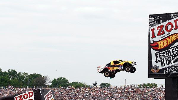 Indy crowd witnesses world record jump