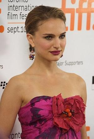 Natalie Portman Goes Blonde, Plus Her Other Amazing Style  Moments