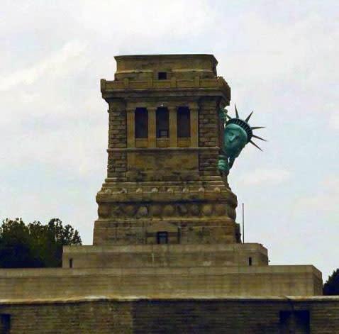 Hurricane Sandy Pics Get Photoshop Treatment