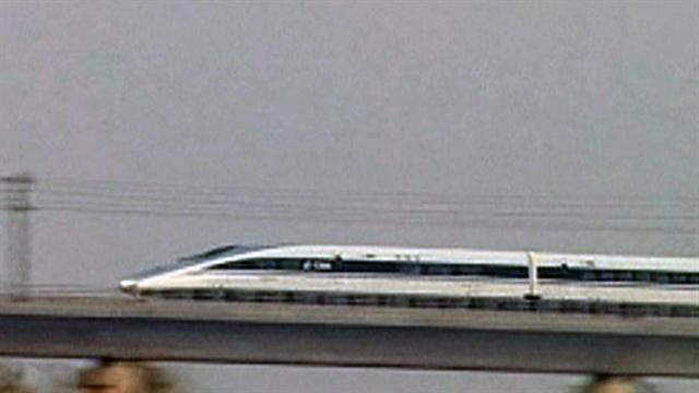 China claims world's longest high-speed railroad
