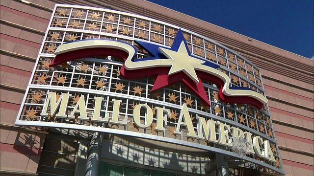 Almanac: Mall of America opens
