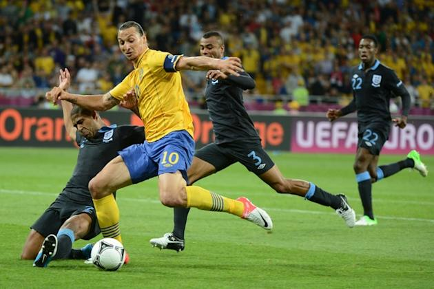 Swedish Forward Zlatan Ibrahimovic (C) Vies AFP/Getty Images