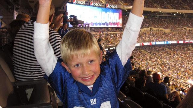 Young Fan Mails Brandon Jacobs $3.36 To Return To New York Giants