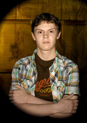 Evan Peters ABC's Invasion