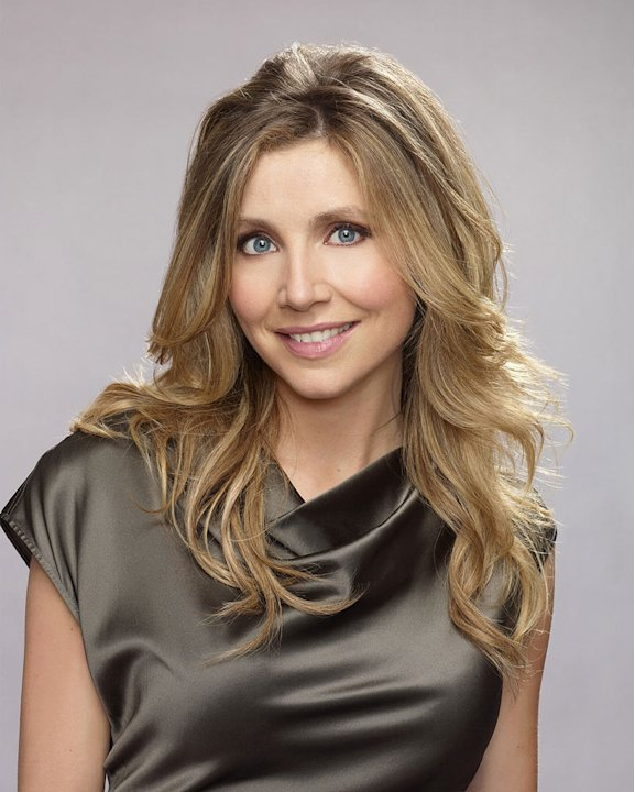 "Sarah Chalke stars as Kate Swanson on ""Mad Love."""