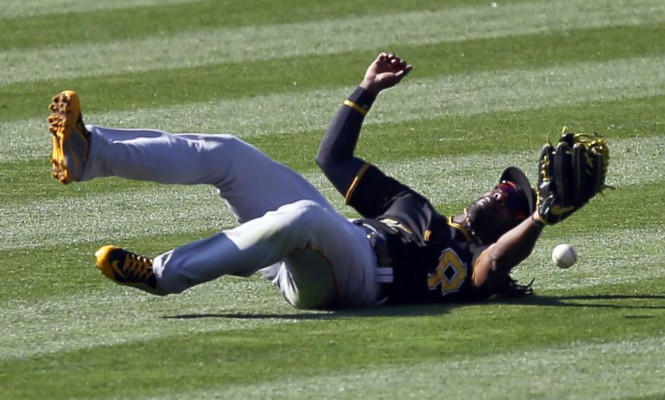 Kennedy, Alonso lead Padres over Pirates 2-1