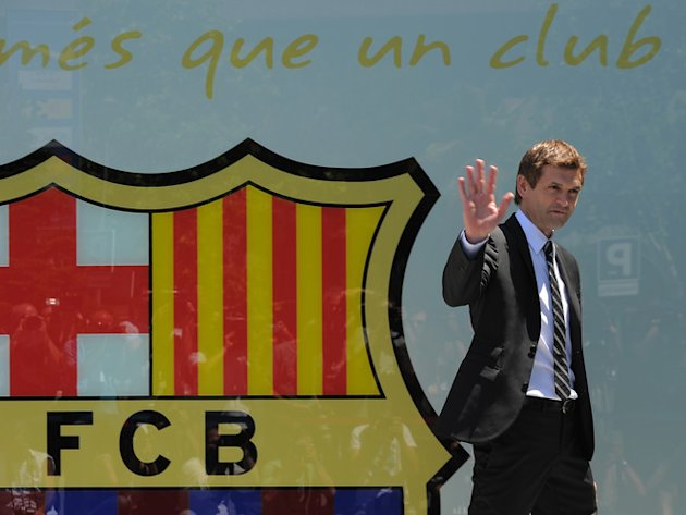 Barcelona's New Coach Tito Vilanova Waves AFP/Getty Images