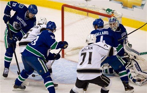 Stoll sends Kings to 2nd round with OT goal