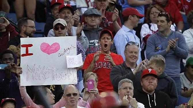 Richards goes 7 strong, Angels beat Phillies 3-0