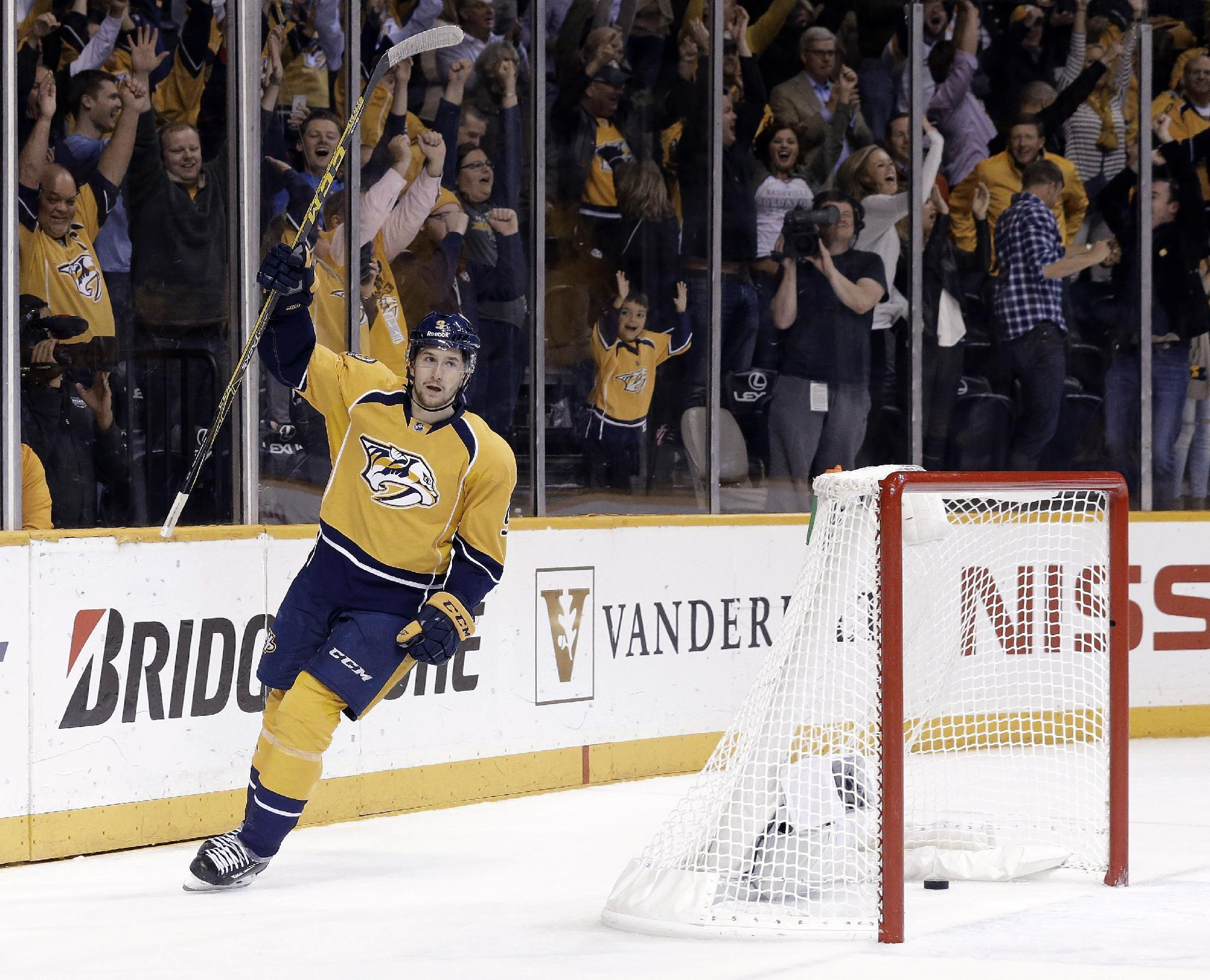 Predators force Game 6 beating Chicago 5-2 with 4 in 3rd