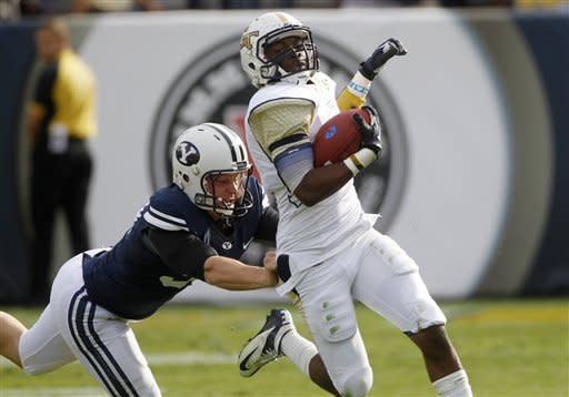 Williams, Nelson lead BYU past Georgia Tech 41-17