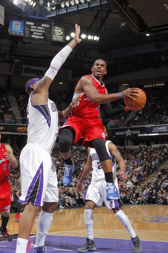 Paul, Griffin lead Clippers past Kings 108-100