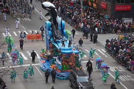 New York prepares for Thanksgiving parade as Islamic State threat looms