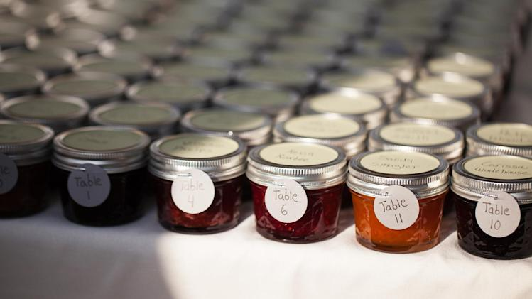 Favors for wedding guests get personal, creative - Yahoo News
