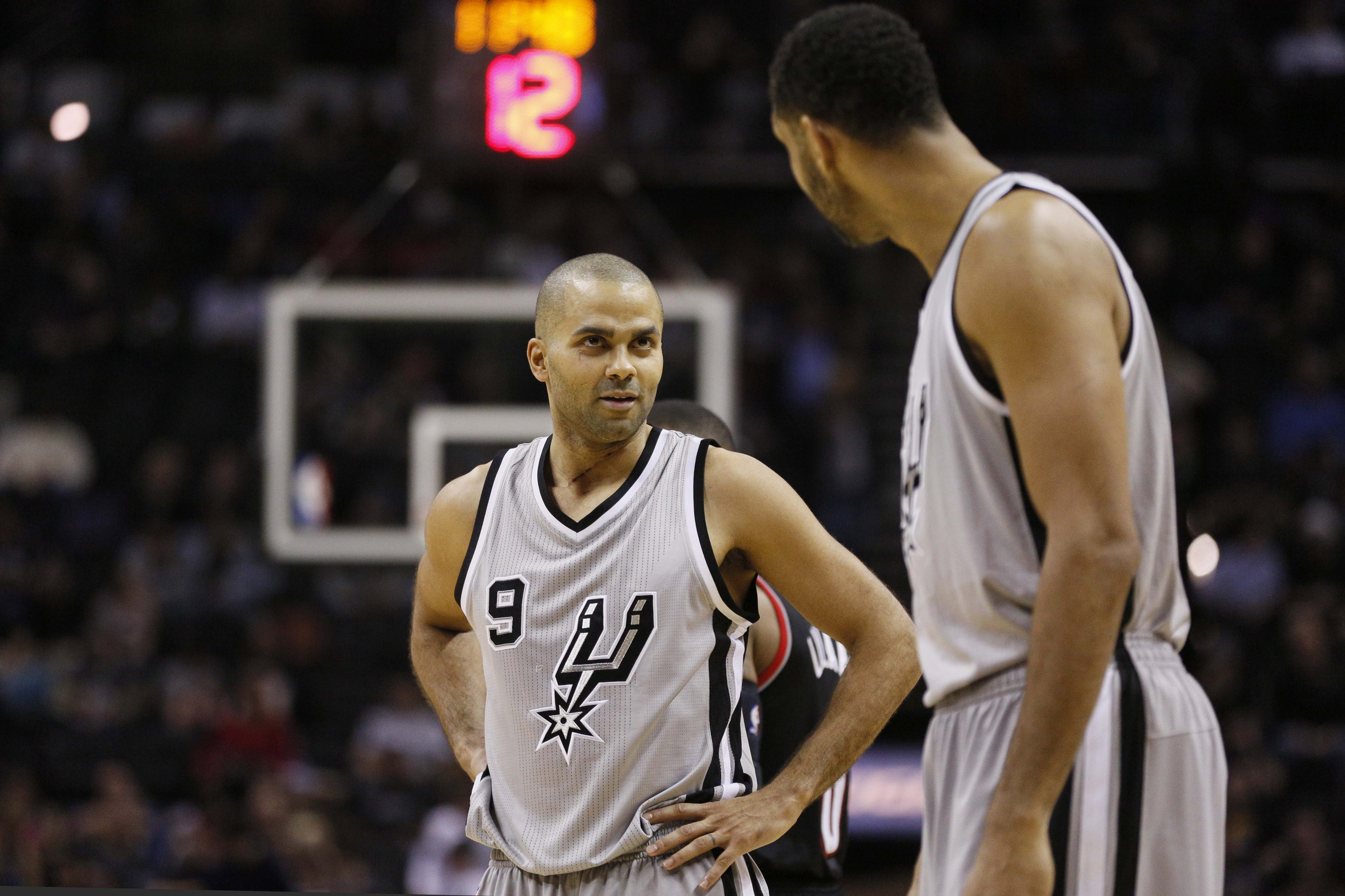 The 10-man rotation, starring Tony Parker's troubling play