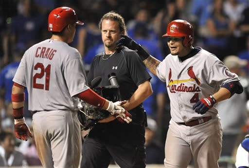 Molina powers Cardinals to 10-6 win over Cubs