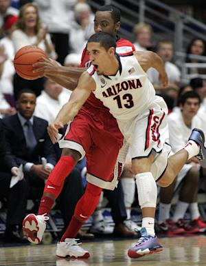 Arizona moves to No. 1 in AP poll; Syracuse No. 2