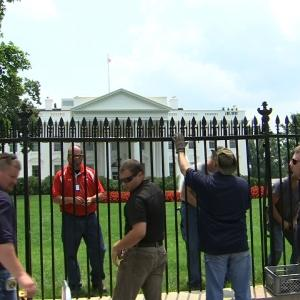 Raw: Spikes Installed on White House Fence