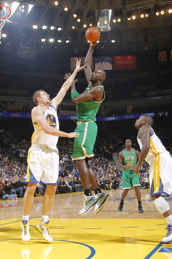 Garnett leads Celtics past Warriors 105-104