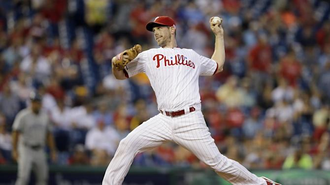 Lee leads Phillies past Padres 4-2