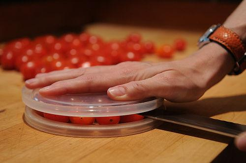 RIGHT WAY: Cherry Tomatoes